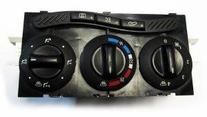 Modulo de control de Aire Acondicionado Mercedes Benz A-Class No OEM 1688300985 -0