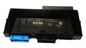 Caja de conexión sistema electrónico 3 BMW Serie 1, 3, X1, Z4 No OEM 61359364819 -0