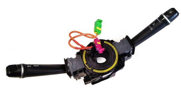 Unidad de Interruptores Arbol de Direccion Volvo No OEM 30798514-0