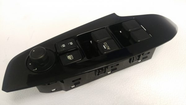 Control de Elevador Ventana MAZDA 3 OEM BNN5-66-350